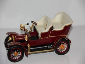 rolls-royce--10hp-----little-sue-----1905--franklin-mint-.jpg