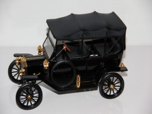 ford-model-t-1913--franklin-mint-.jpg