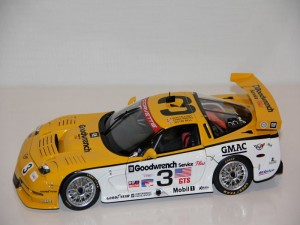 chevrolet-corvette-c5-r-gt2-no.3-24h-l.m.---fellows-kneifel-bell-----2000--autoart-.jpg