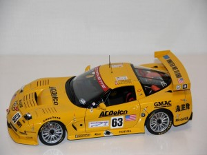 chevrolet-corvette-c5-r-no.63-24h-l.m.---gavin-o--connell-fellows-----2002--autoart-.jpg