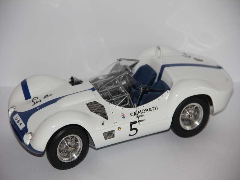 MASERATI BIRDCAGE 1960 VŮZ S PODPISEM STIRLINGA MOSSE (LIMIT 600 KS)