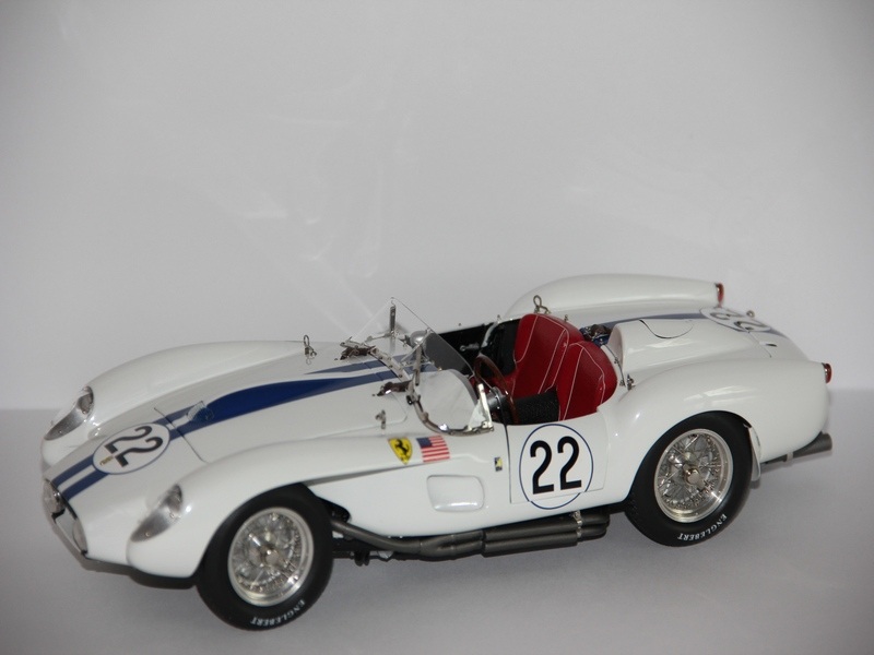 FERRARI 250 TESTA ROSSA #22 1958 (LIMIT 2000 KS)