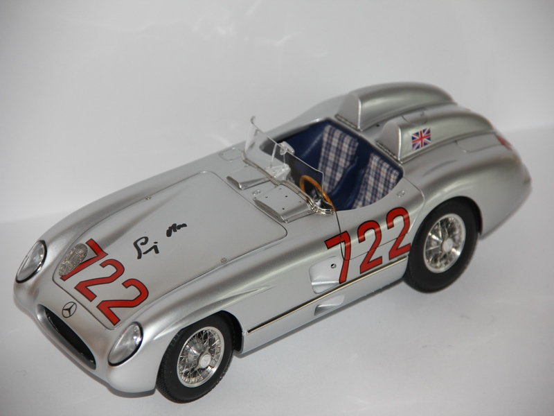 MERCEDES-BENZ 300SLR #722 VŮZ S PODPISEM STIRLINGA MOSSE (LIMIT 722 KS)
