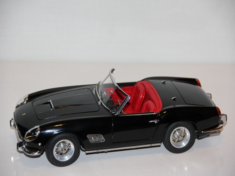 FERRARI 250 SWB CALIFORNIA 1961 /schwarz/ (LIMIT 2500 KS)