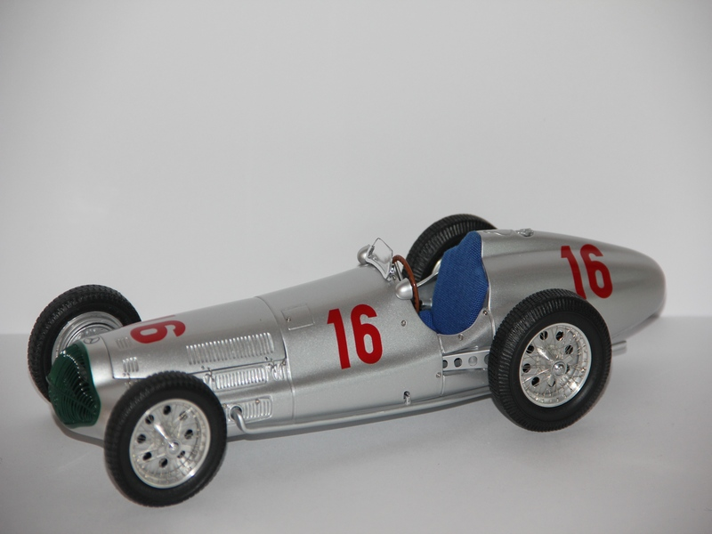 MERCEDES-BENZ W154 #16 1938 (LIMIT 3000 KS)