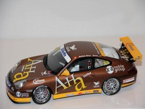 porsche-911-gt3r-asian-carrera-cup---marsh-----2004--autoart-.jpg