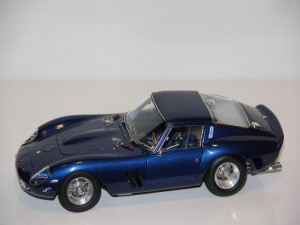 ferrari-250-gto--blau--1962--cmc---limit-2500ks-.jpg