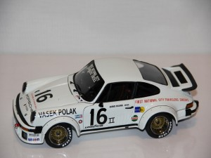 porsche-934-rsr-no.16-champion-trans-am---follmer-----1976--exoto-.jpg